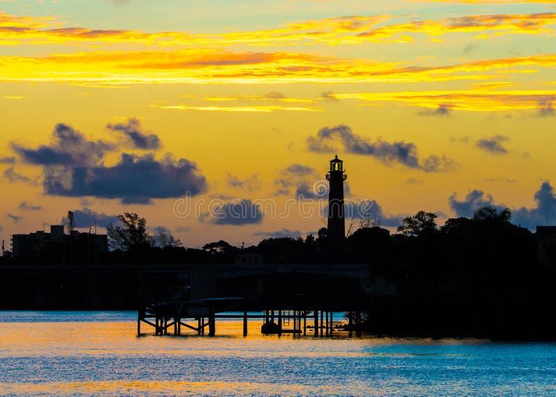 Gryning på Jupiter Lighthouse arkivbild