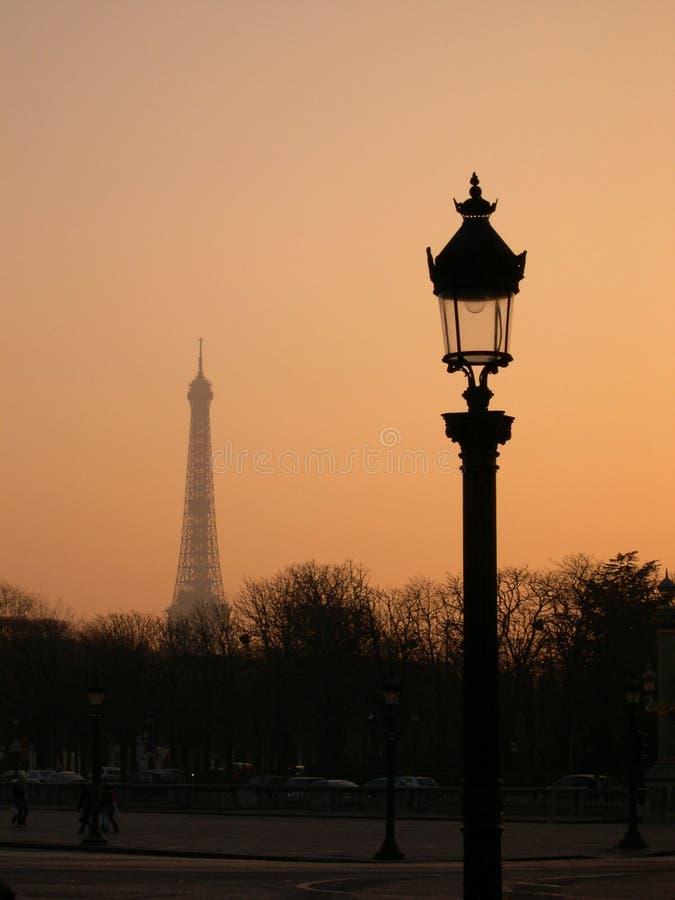 gryning paris arkivbilder