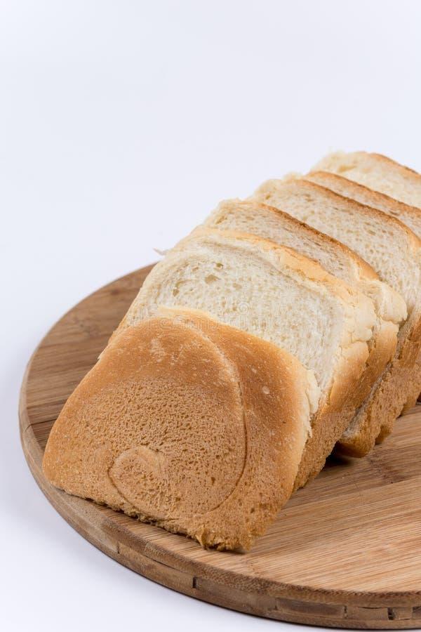 Download Grzanka Chleb Na Drewnianej Desce Zdjęcie Stock - Obraz złożonej z kanapka, smakosz: 65226142