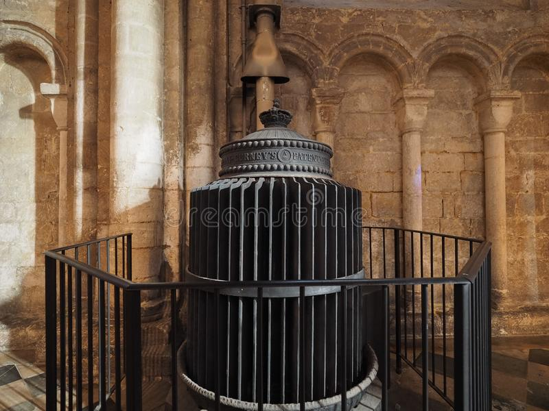 Grzejnik przy Ely katedrą obrazy stock