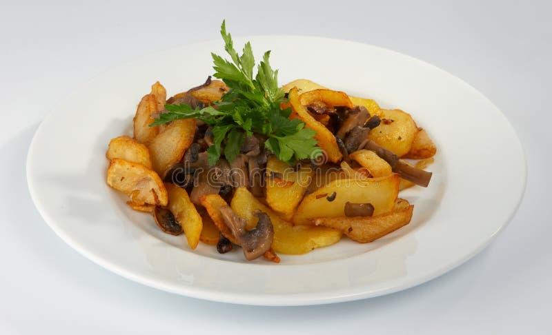 grzyby usmażę ziemniaka fotografia stock