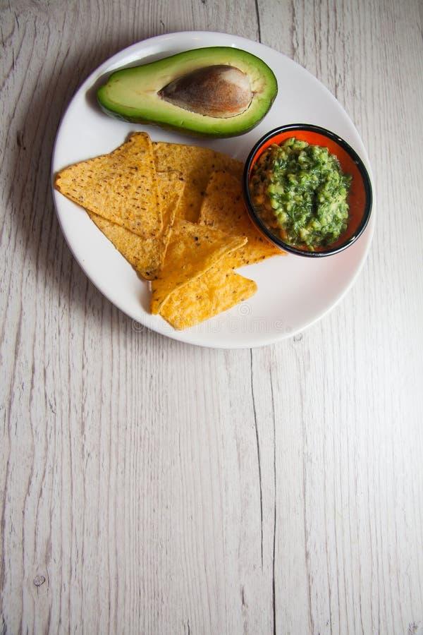 Guacamole della salsa fatto dell'avocado immagini stock libere da diritti