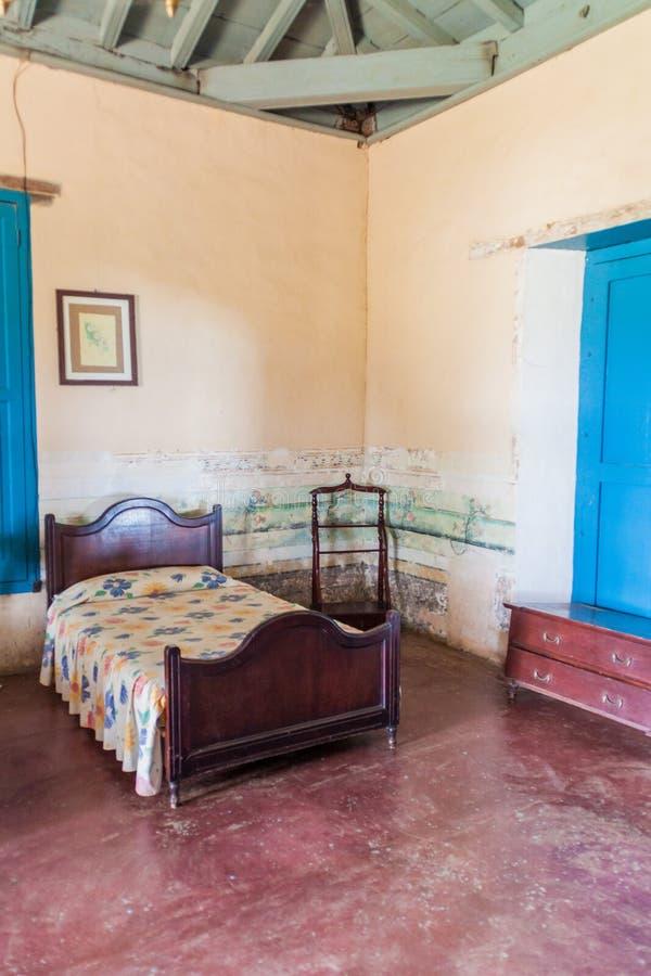 GUACHINANGO, KUBA - 9. FEBRUAR 2016: Innenraum einer alten Hazienda Casa Guachinango in Tal Valle de Los Ingenios nahe stockbild