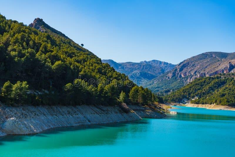 Guadalest Reservoir in Spanje royalty-vrije stock foto