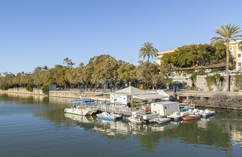 Guadalquivir-Fluss bei Sevilla, Spanien lizenzfreies stockfoto