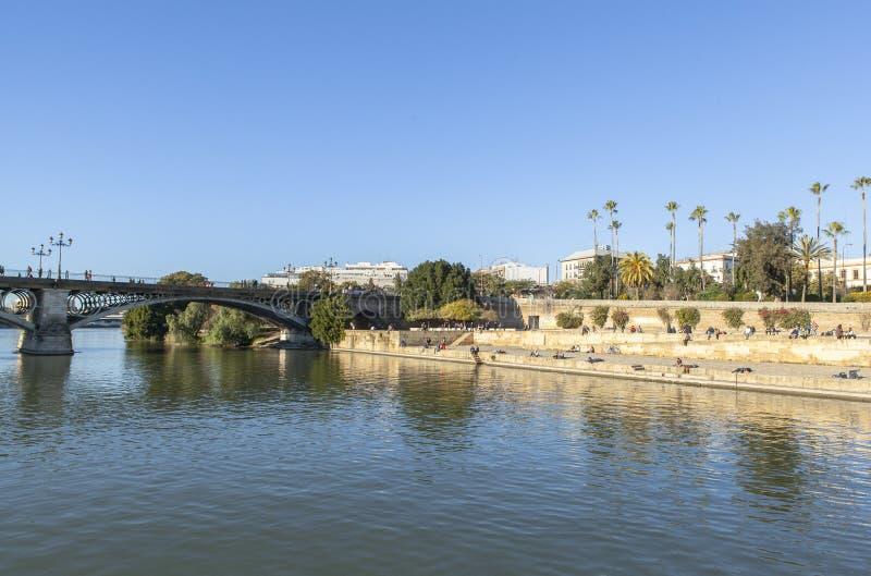 Guadalquivir-Fluss bei Sevilla, Spanien stockbild
