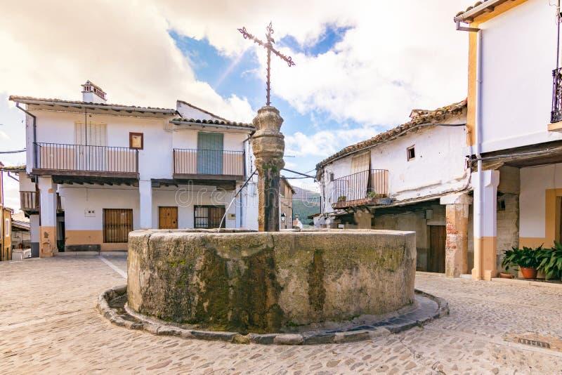 Guadalupe Square perto do Extremadura de um quarto judaico - Espanha foto de stock royalty free