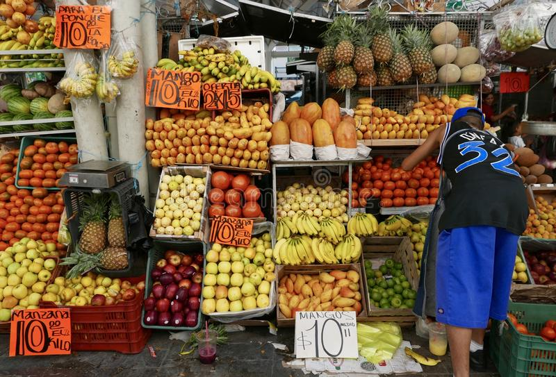 Guanajuato, 20 Mexico-Januari, 2017: Stadsmarkt stock afbeelding