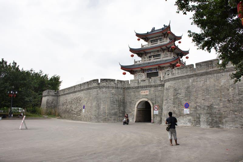 Guangji en Xiashui-Poort met Ming oud en de muur van de ruïnesstad van Chaozhou in Teochew in Guangdong, China royalty-vrije stock afbeeldingen