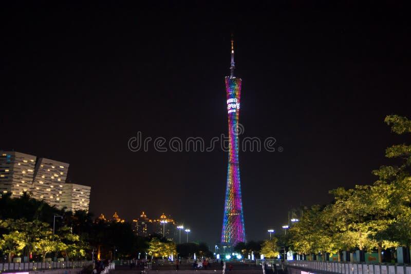 GUANGZHOU, CHINA - 13 DE SETEMBRO DE 2016: Torre do cantão de Guangzhou, noite v fotos de stock