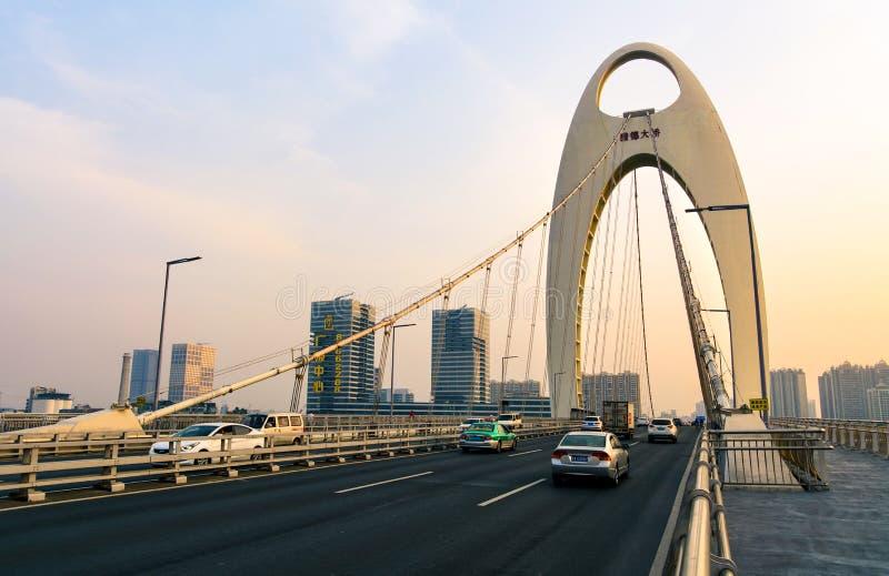 GUANGZHOU, CHINE - 3 JANVIER 2018 : Pont de Guangzhou Liede plus de image libre de droits