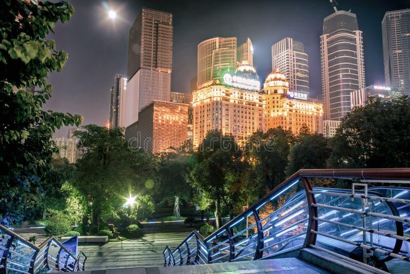GUANGZHOU, CHINE - septembre 28 : Vue de nuit de ville nouvelle de Zhujiang Zh photos stock