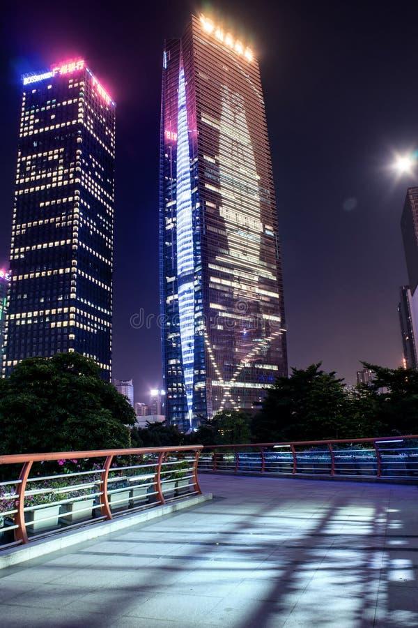 GUANGZHOU, CHINE - septembre 28 : Vue de nuit de ville nouvelle de Zhujiang Zh photographie stock