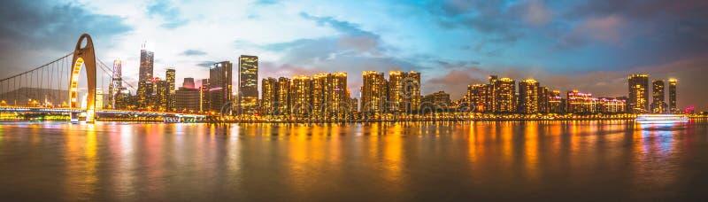 Guangzhou, de Parelrivier, ligt DE bridge royalty-vrije stock foto