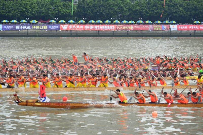 Guangzhou Internationaal Dragon Boat Invitational Tournament stock foto's