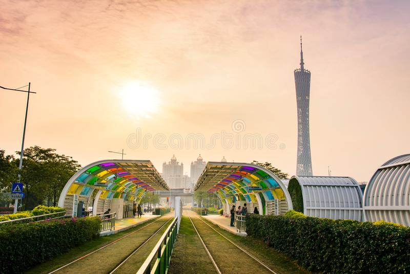 GUANGZHOU KINA - JANUARI 3, 2018: Station för Guangzhou stadsspårvagn royaltyfria bilder