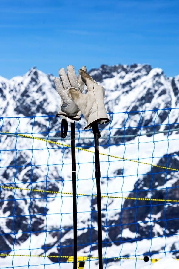Guanti per lo sport della neve nell'inverno immagine stock libera da diritti