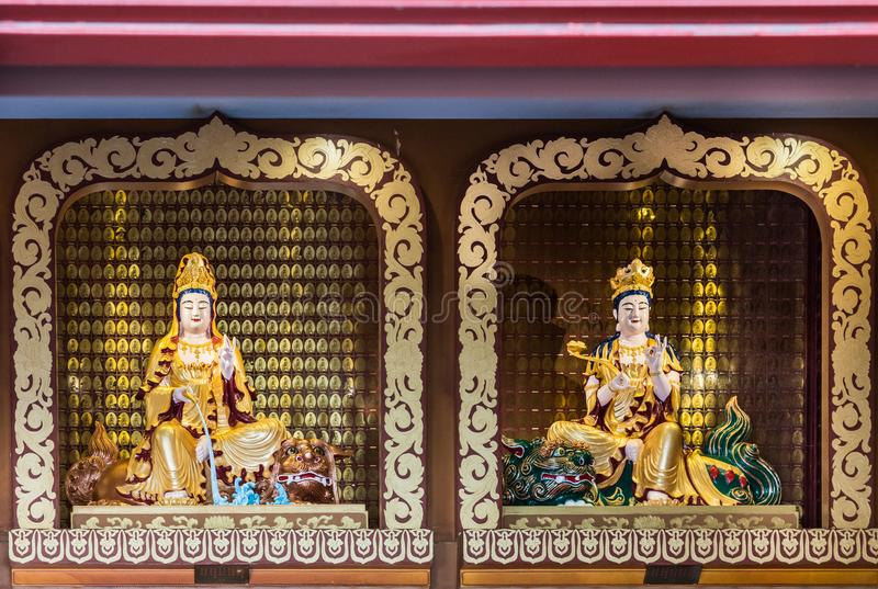 Guanyin и Manjusri Bodisattvas на его виске Lai буддийском, Cal стоковое фото