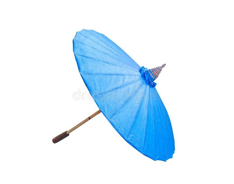 Guarda-chuva azul colorido do papel de óleo com o punho de madeira isolado no fundo branco com trajeto de grampeamento imagens de stock