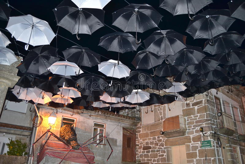 Guarda-chuvas da noite imagens de stock