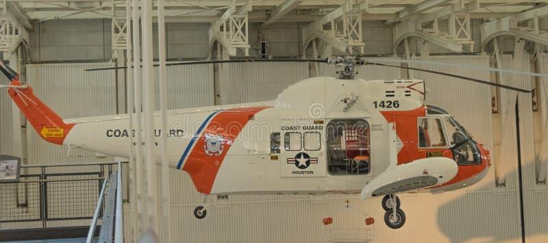 Guarda costeira Rescue Helicopter foto de stock