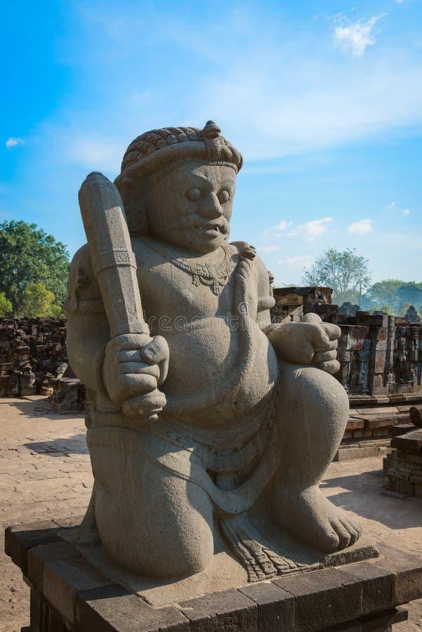 Guarda del complejo de Candi Sewu Buddhist en Java, Indonesia fotografía de archivo