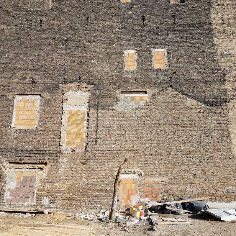 Guarda-fogo de uma construção residencial velha fotos de stock