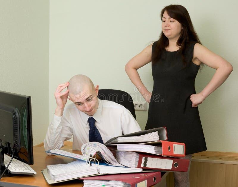 Guarda-livros e a secretária em um local de trabalho fotos de stock royalty free