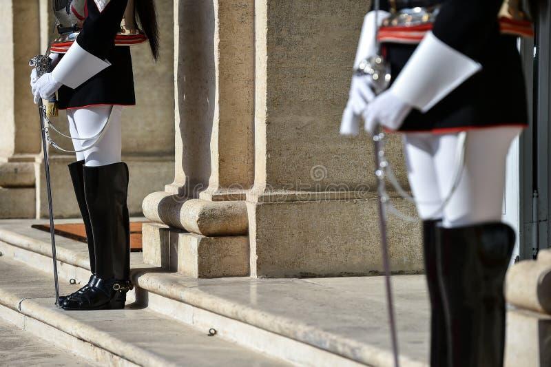 Guarda nacional da honra durante uma cerimônia bem-vinda no palácio de Quirinale fotos de stock
