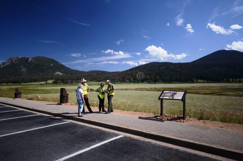 Guardabosques de parque en el parque nacional de la montaña rocosa imagen de archivo