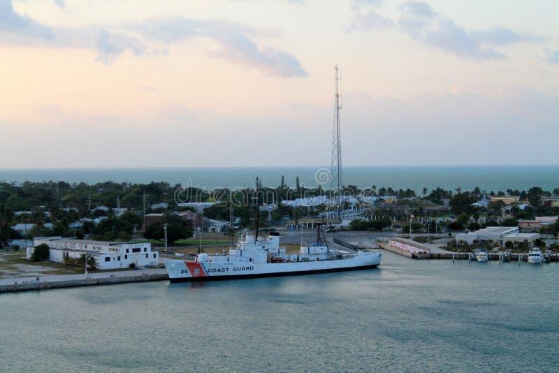 Guardacostas en el fuerte taylor Key West fotografía de archivo