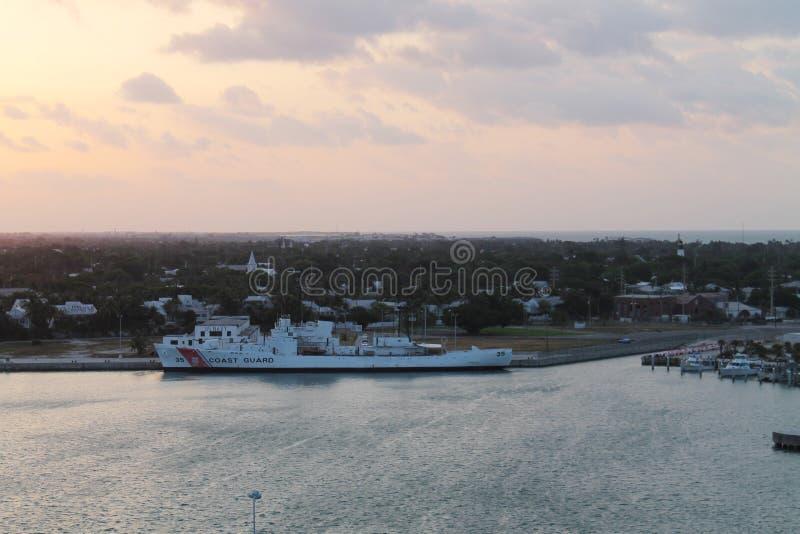 Guardacostas en el fuerte taylor Key West imágenes de archivo libres de regalías