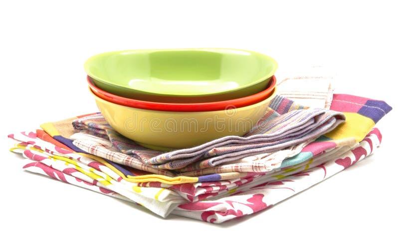 Download Guardanapo De Pano E Bacia Da Cozinha Imagem de Stock - Imagem de bufete, verão: 26521637