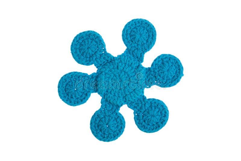 Guardanapo decorativo feito à mão, feito crochê com linhas coloridas fotografia de stock royalty free