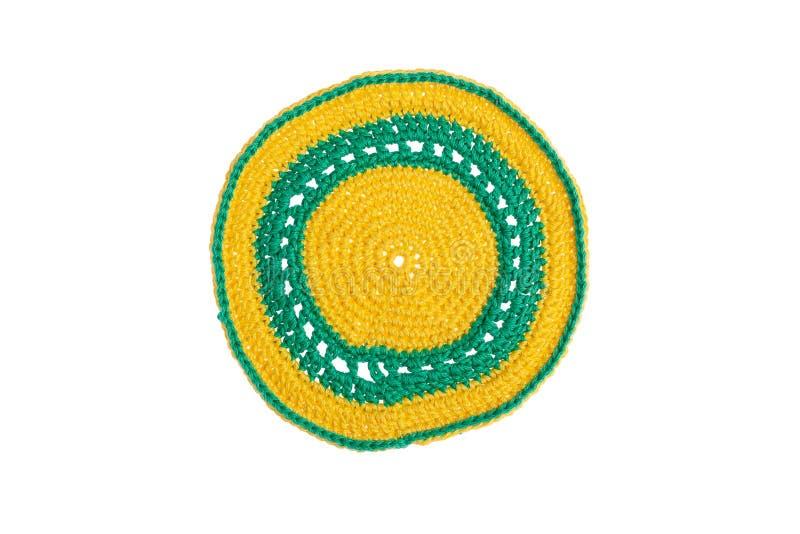 Guardanapo decorativo feito à mão, feito crochê com linhas coloridas foto de stock