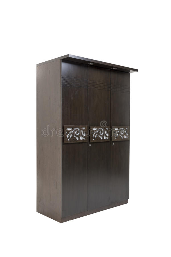 Guardarropa de madera de tres puertas hecho de la madera contrachapada y vinear con el trabajo del diseñador en él Aislado con el fotografía de archivo