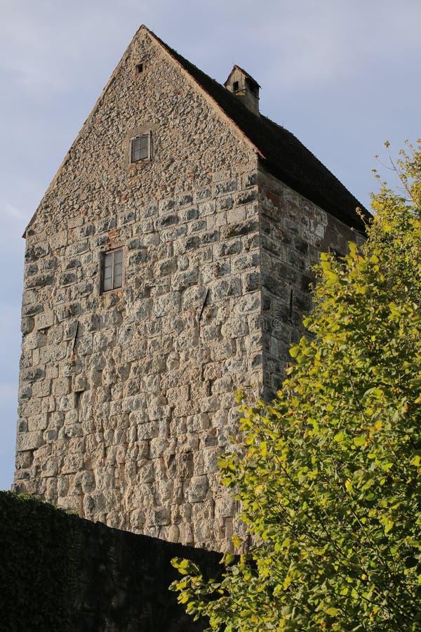 Guarde del castillo Schweppermannsburg en Pfaffenhofen, Palatinado superior, Alemania imagenes de archivo