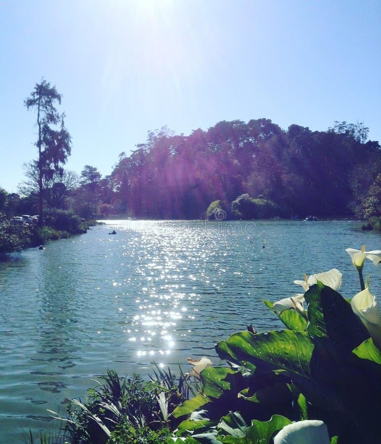 Guarde el lago foto de archivo