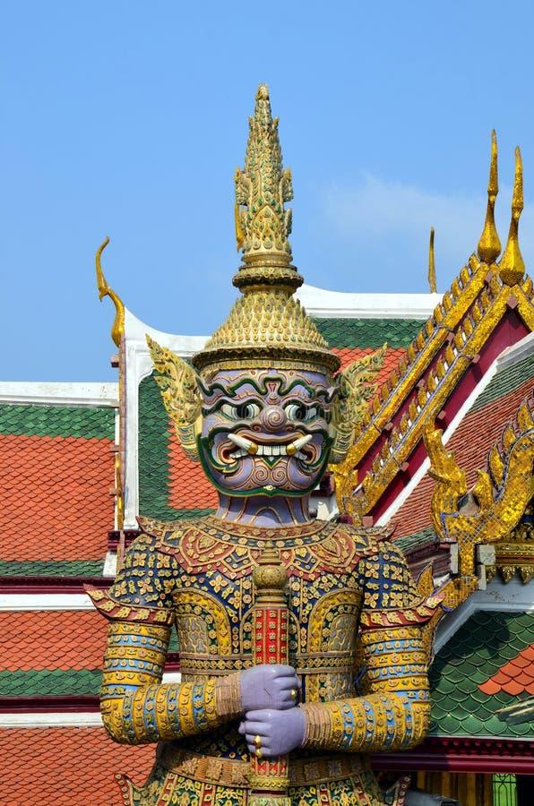 Guardião do ensino budista em Royal Palace de Banguecoque, Tailândia fotos de stock royalty free
