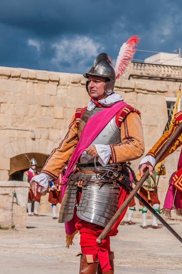 Guardia στην παρέλαση στο ST Jonh αλαζόνας σε Birgu, Μάλτα. στοκ εικόνες