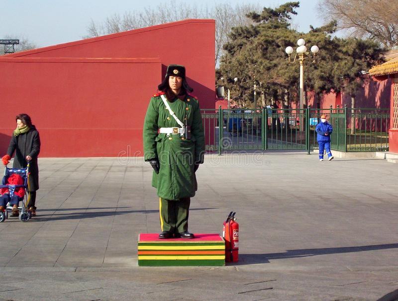 Guardia de honor dentro de la ciudad Prohibida fotografía de archivo libre de regalías