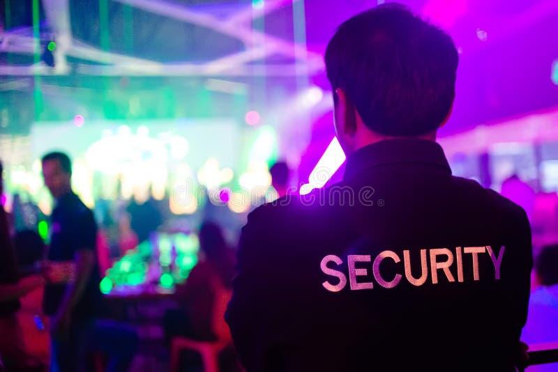 Guardia de seguridad en club nocturno fotografía de archivo libre de regalías