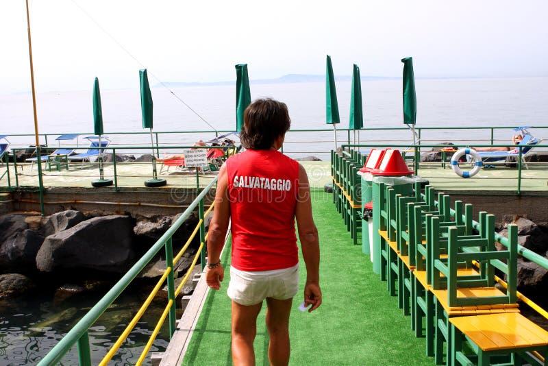 Guardia de vida Beach Sorrento Italy fotos de archivo libres de regalías