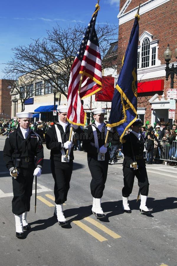 Guardia di onore della marina, parata del giorno di St Patrick, 2014, Boston del sud, Massachusetts, U.S.A. immagine stock