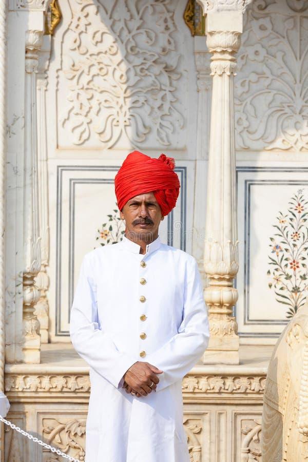 Guardia en el palacio de la ciudad de Jaipur, la India imágenes de archivo libres de regalías