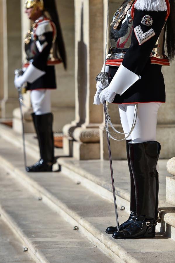 Guardia Nacional italiano del honor durante una ceremonia agradable en el palacio de Quirinale imagenes de archivo
