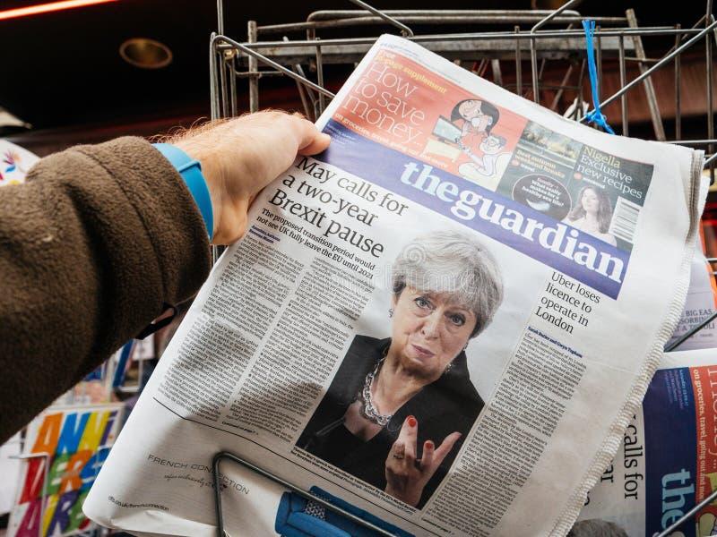 The Guardian sobre Brexit y Theresa May foto de archivo