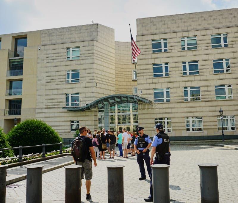 Guardias de seguridad americanos de la embajada - Berl?n fotos de archivo libres de regalías