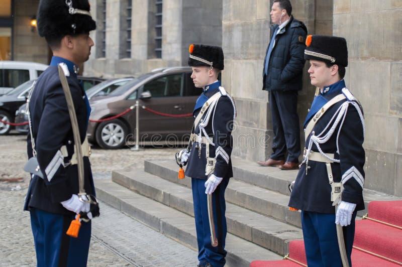 Guardie che cambiano alla ricezione dei nuovi anni dal re Of The Netherlands 2019 immagini stock