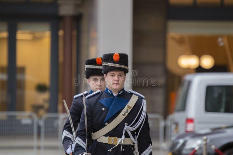 Guardie che cambiano alla ricezione dei nuovi anni dal re Of The Netherlands 2019 immagine stock libera da diritti